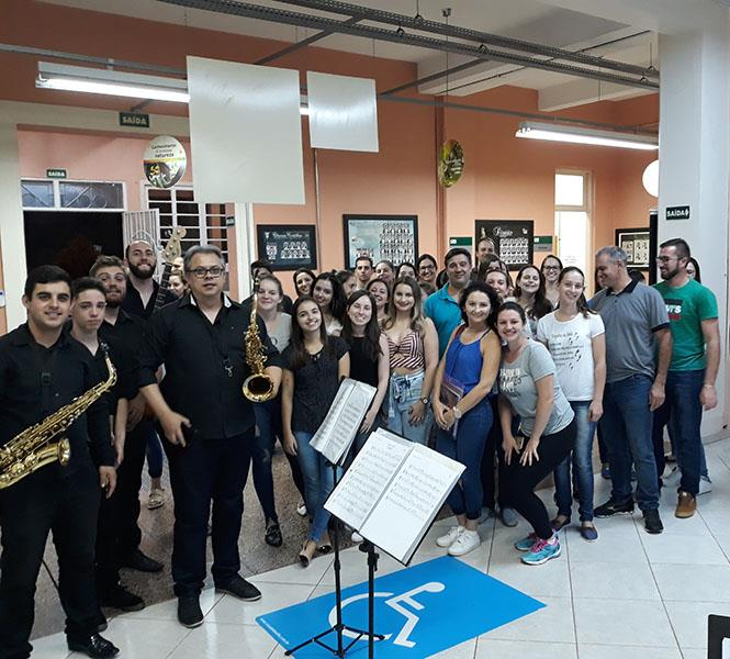 Intervalo musical no Campus Sarandi