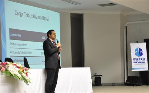 Reforma tributária em pauta na UPF