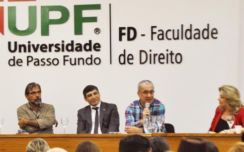 Professores da Faculdade de Direito da UPF participam de encontro de formação