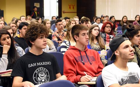 Centenas de estudantes participam do Intensivo Enem UPF