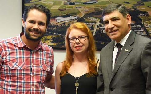 Reitor recebe visita de representantes do Instituto Libertarte