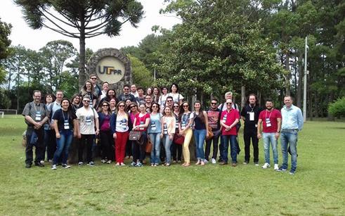 PPGECM e curso de Física da UPF são representados em evento científico no Paraná