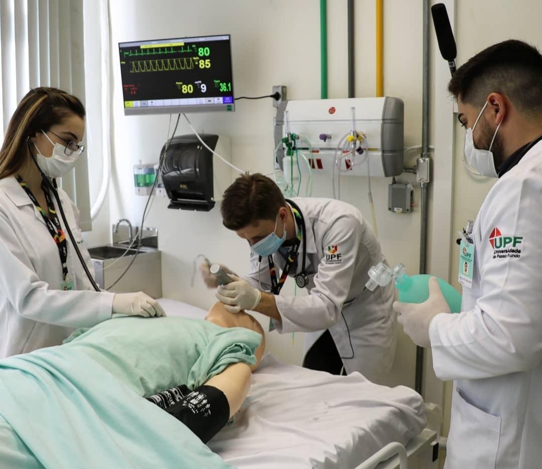 Simulação dos procedimentos de saúde auxilia na formação dos acadêmicos