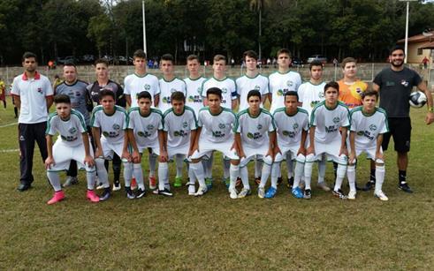 Equipes do Esporte Clube Vila Nova jogaram no fim de semana