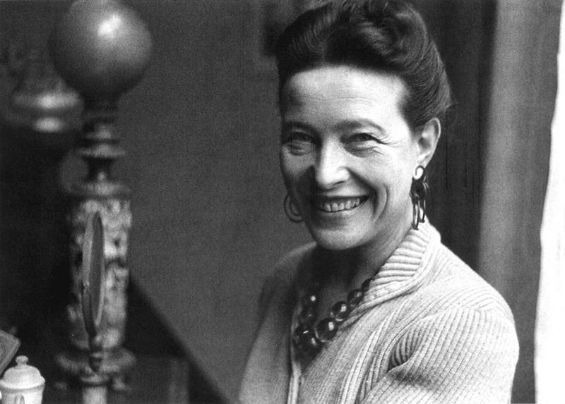 Simone de Beauvoir foi uma escritora, intelectual, filósofa existencialista, ativista política, feminista e teórica social francesa