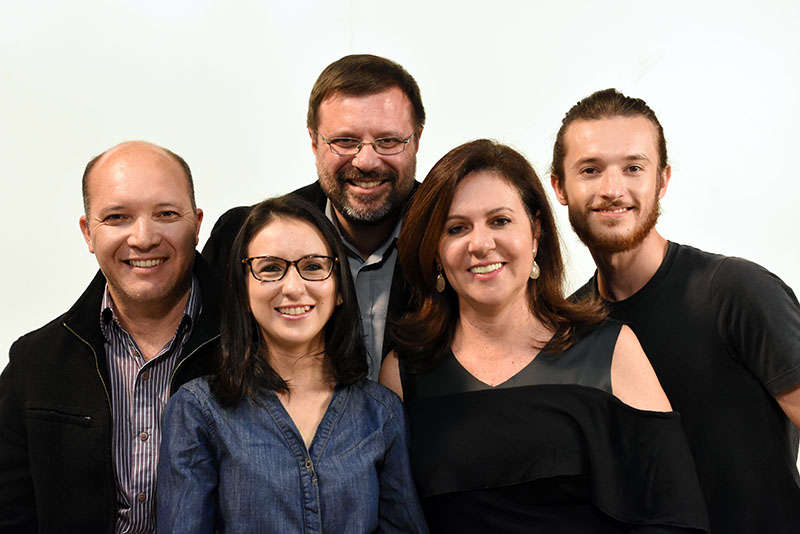 Na foto, a equipe que apresenta as três edições do Café Expresso