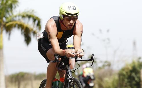 Atleta da UPF marca presença no Campeonato Estadual de Triathlon Longa Distância